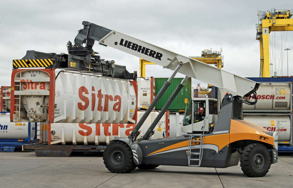 New Liebherr LRS 545 Reachstacker for Dublin