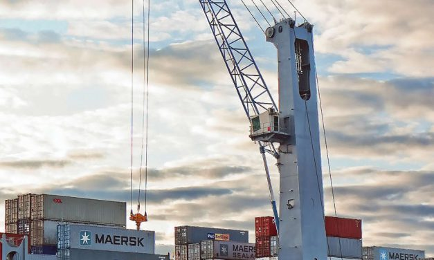 Konecranes Gottwald Mobile Harbor Crane to handle fruit in the UK