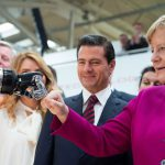 Hannover Messe 2018: Man, machine and fist bumps