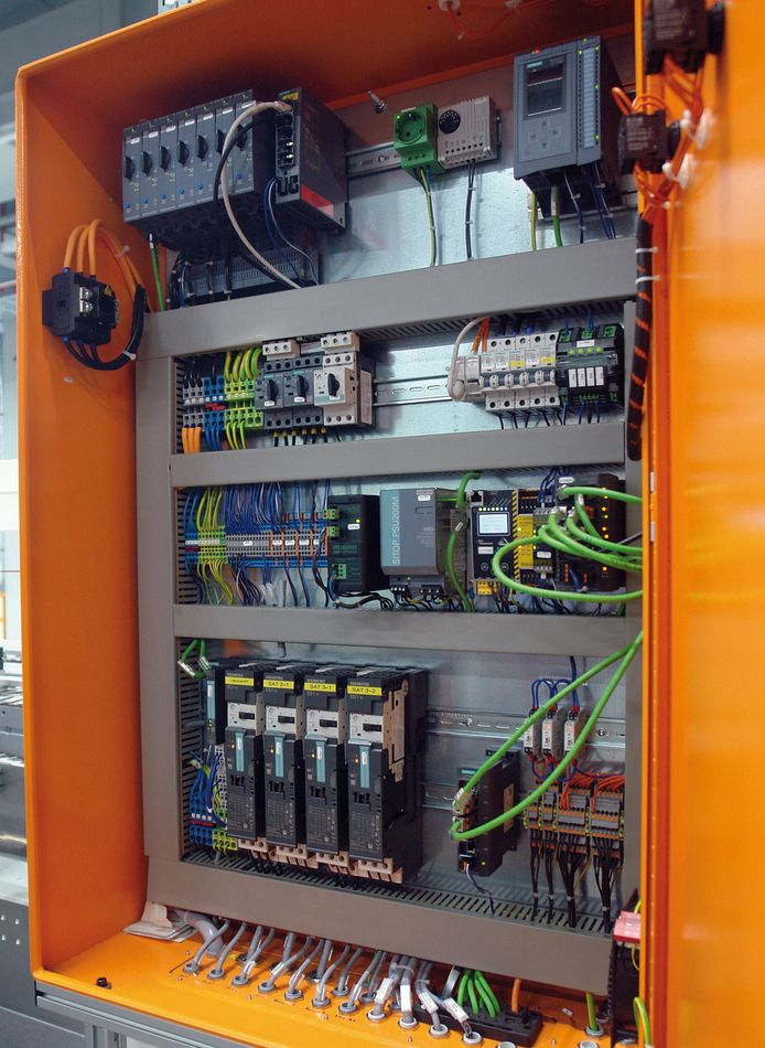 Automotive supplier relies on Siemens motor starters
