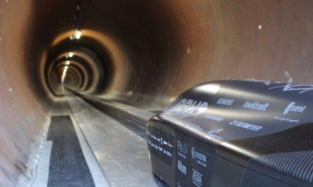 """WARR Hyperloop"" reaches 290 mph (467 km/h) with Infineon chips"